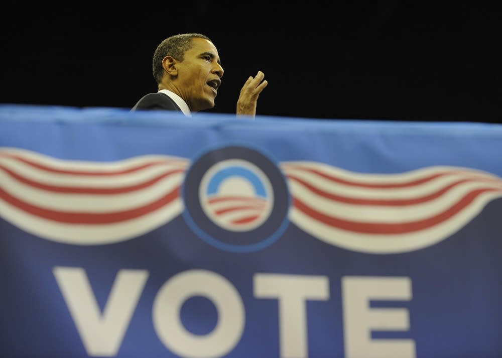 Barack Obama speaks at a rally in Florida