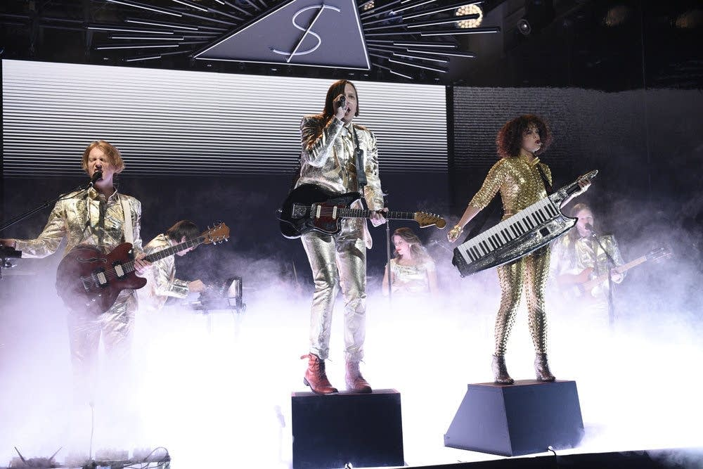 Arcade Fire performing 'Creature Comfort' on 'Saturday Night Live'