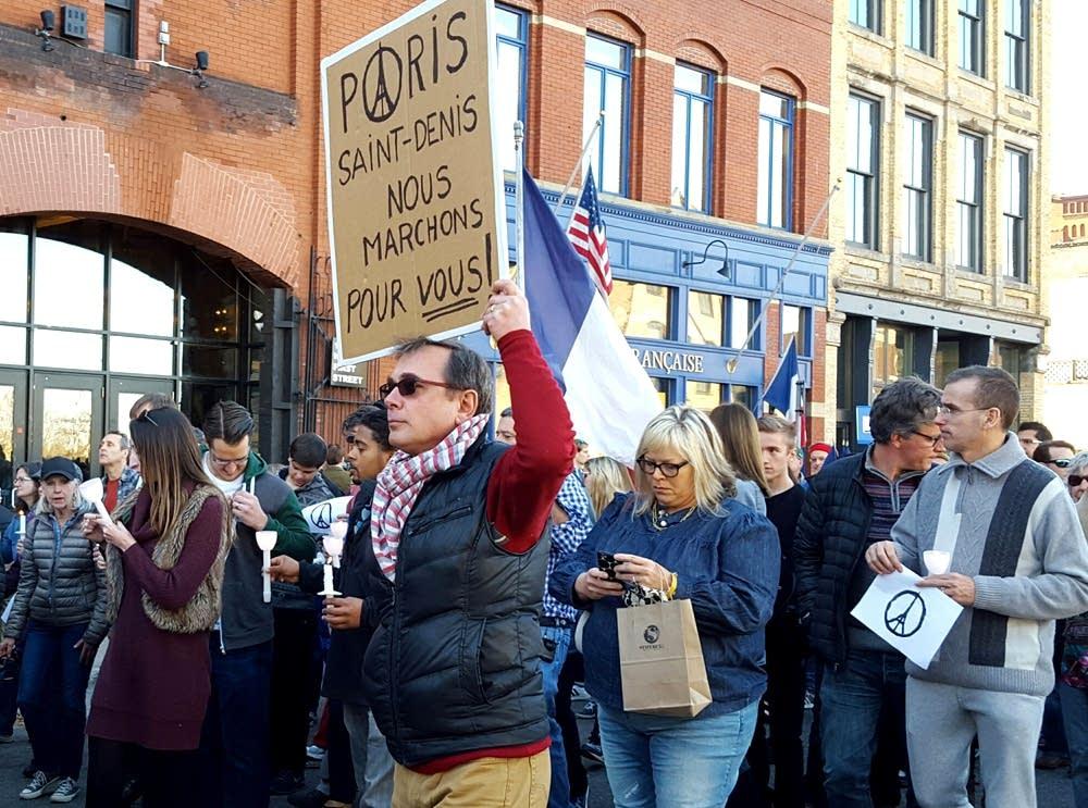'Paris, Saint-Denis, we walk for you!'