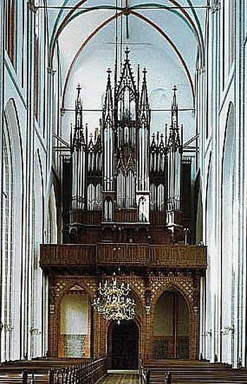 1871 Ladegast organ at Schwerin Cathedral, Germany