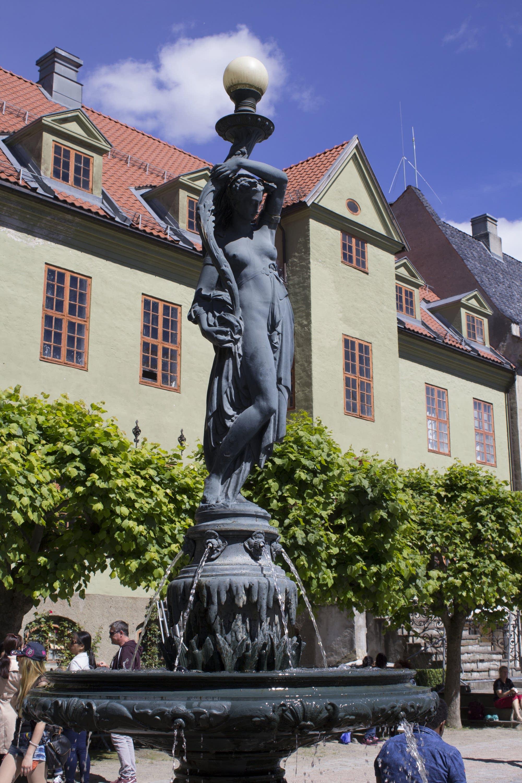 Oslo - 12 - fountain