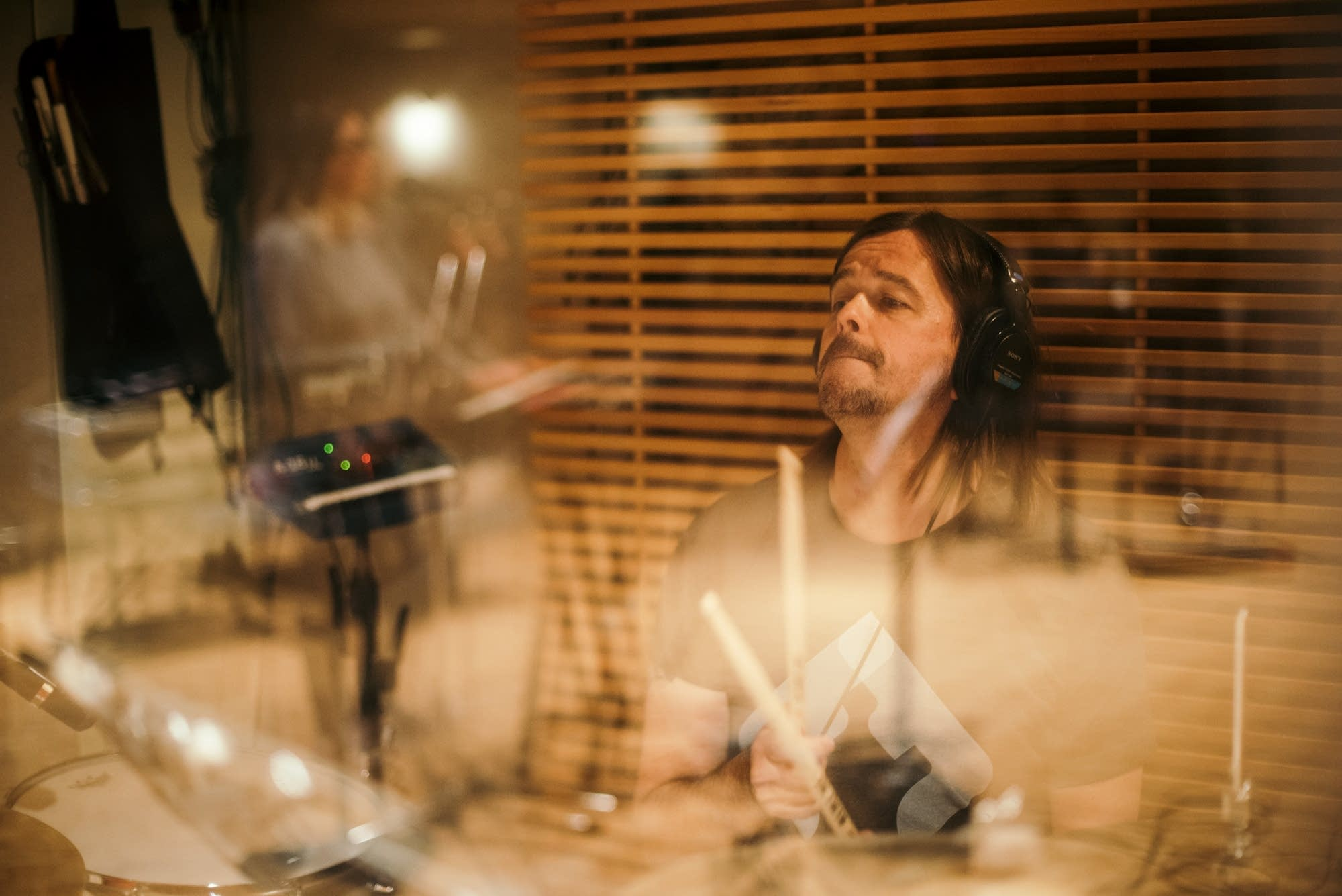 Slowdive perform in The Current studio