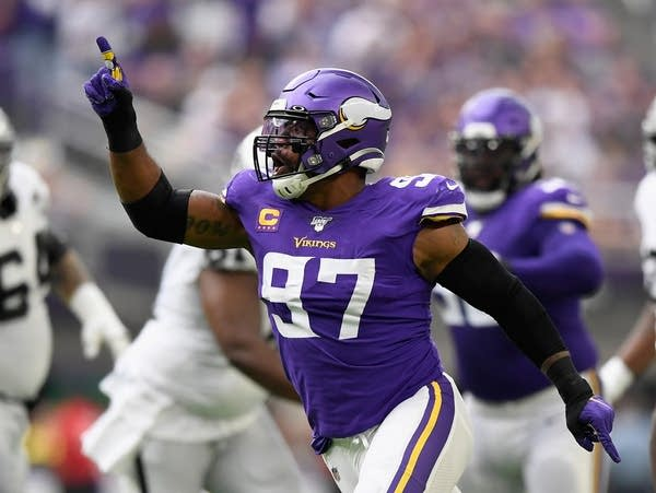 Defense at the forefront as Vikings travel to take on Bears