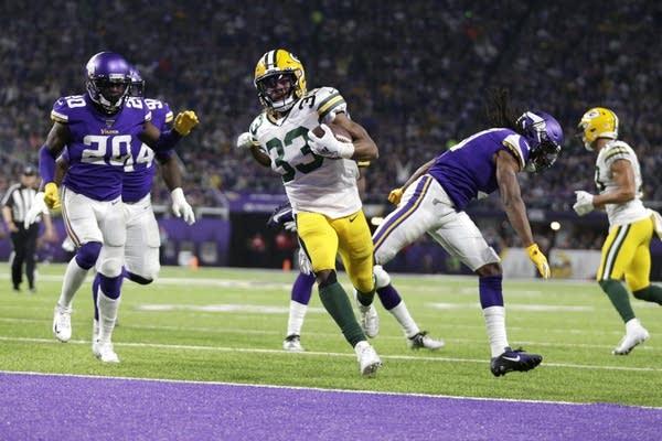 Packers-Vikings football