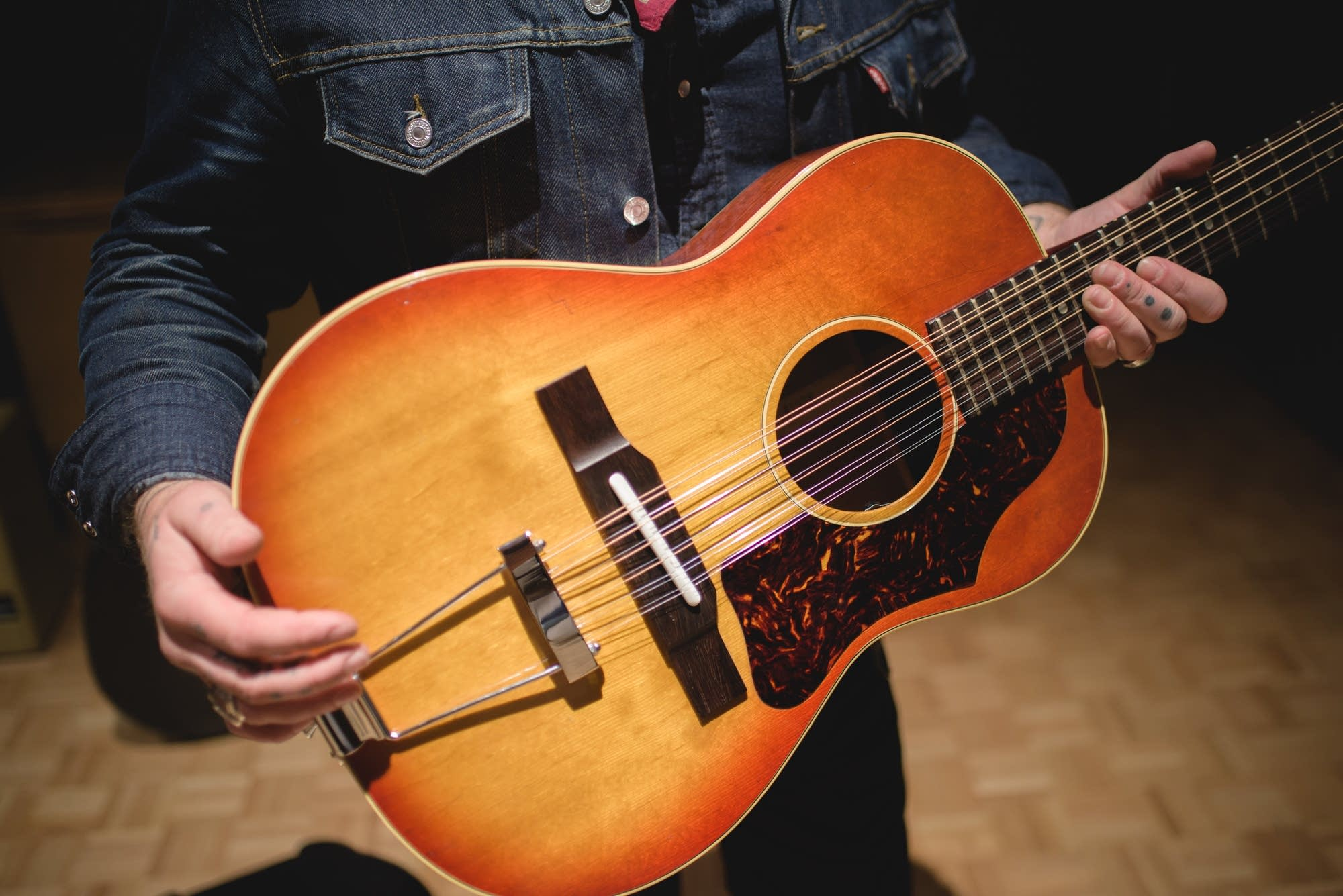 Nathaniel Rateliff, Gibson B-25 12 string 1