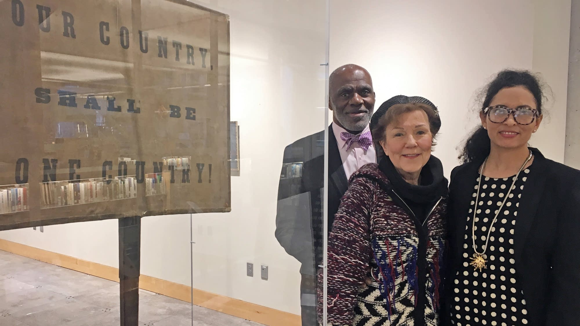 Justice Alan Page, his wife Diane and daughter Georgi Page Smith