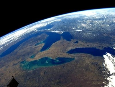 Ed7f63 20190103 great lakes from space during early spring