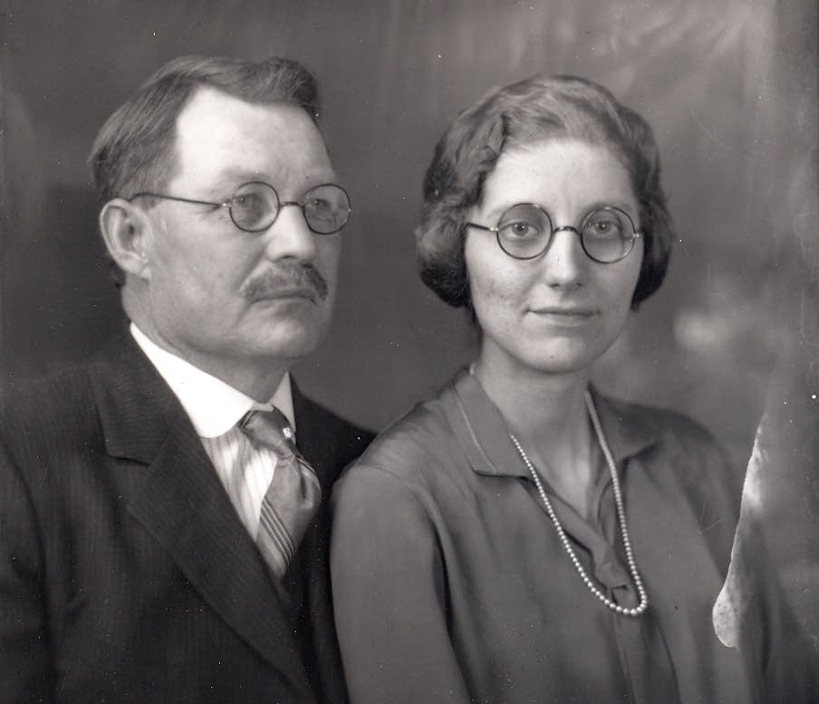 Gust and Esther Akerlund, 1928.