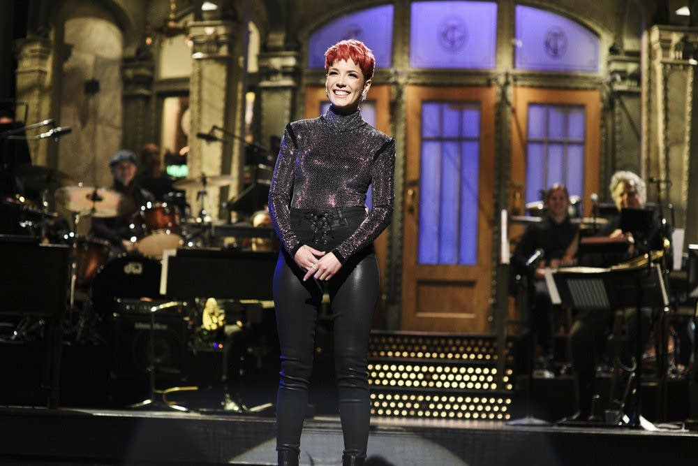 Halsey on 'Saturday Night Live'
