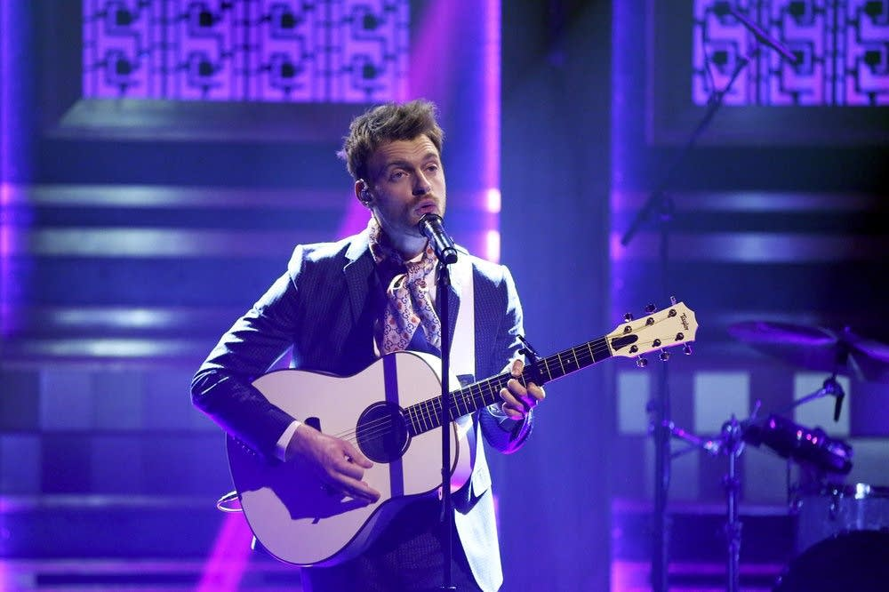 Finneas performs on 'The Tonight Show Starring Jimmy Fallon'
