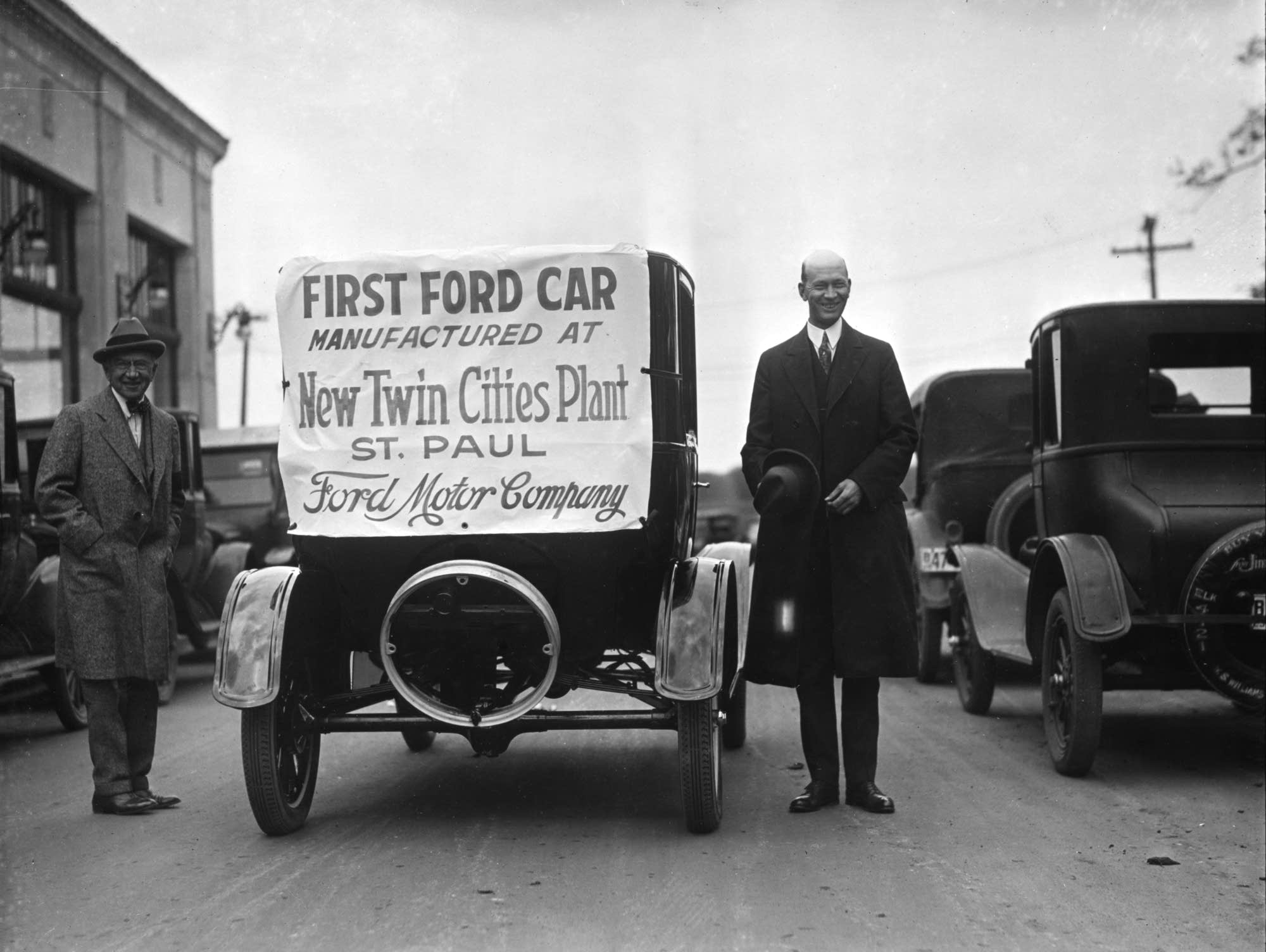 St. Paul Ford dealer W. S. Williams, 1925