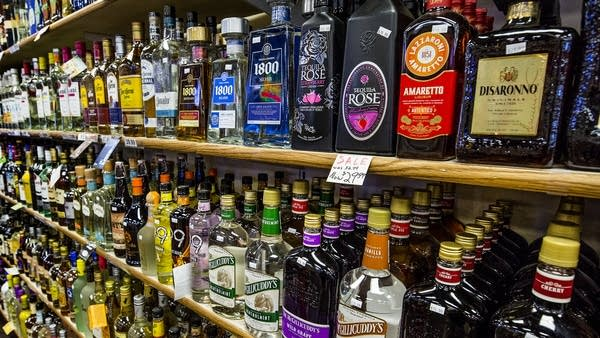 St  Paul increases age for entering liquor stores | MPR News