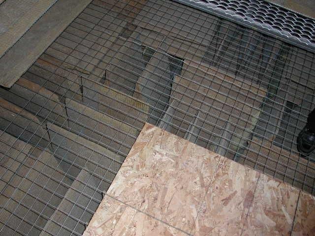 Anechoic chamber floor