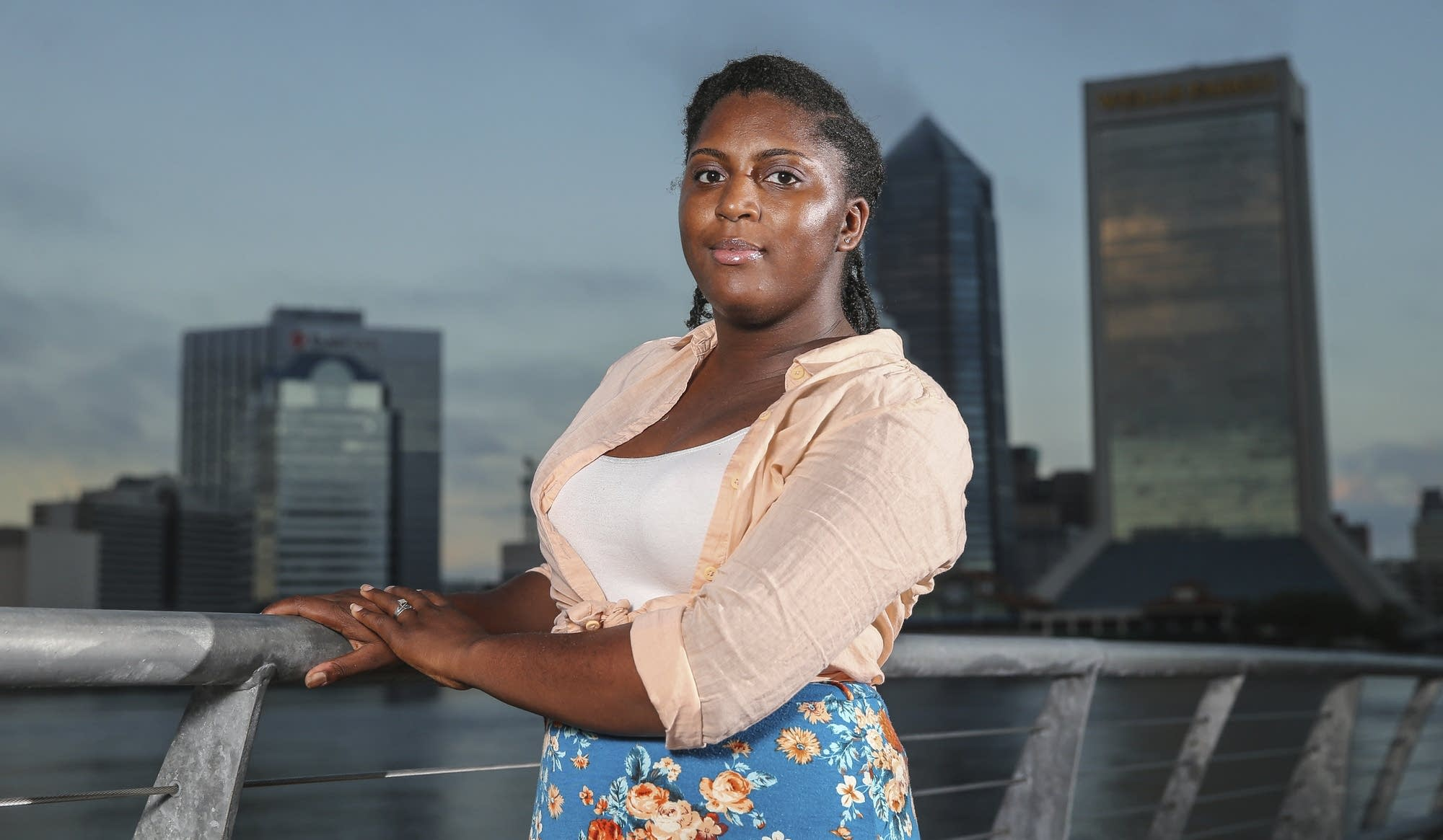 pay gap between college grads and everyone else at a record asia howard of jacksonville fla was stuck in mostly retail and fast food jobs after graduating high school after further developing her career and