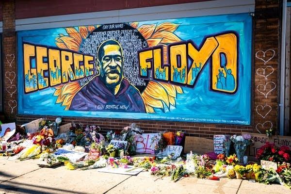 Mural honoring George Floyd