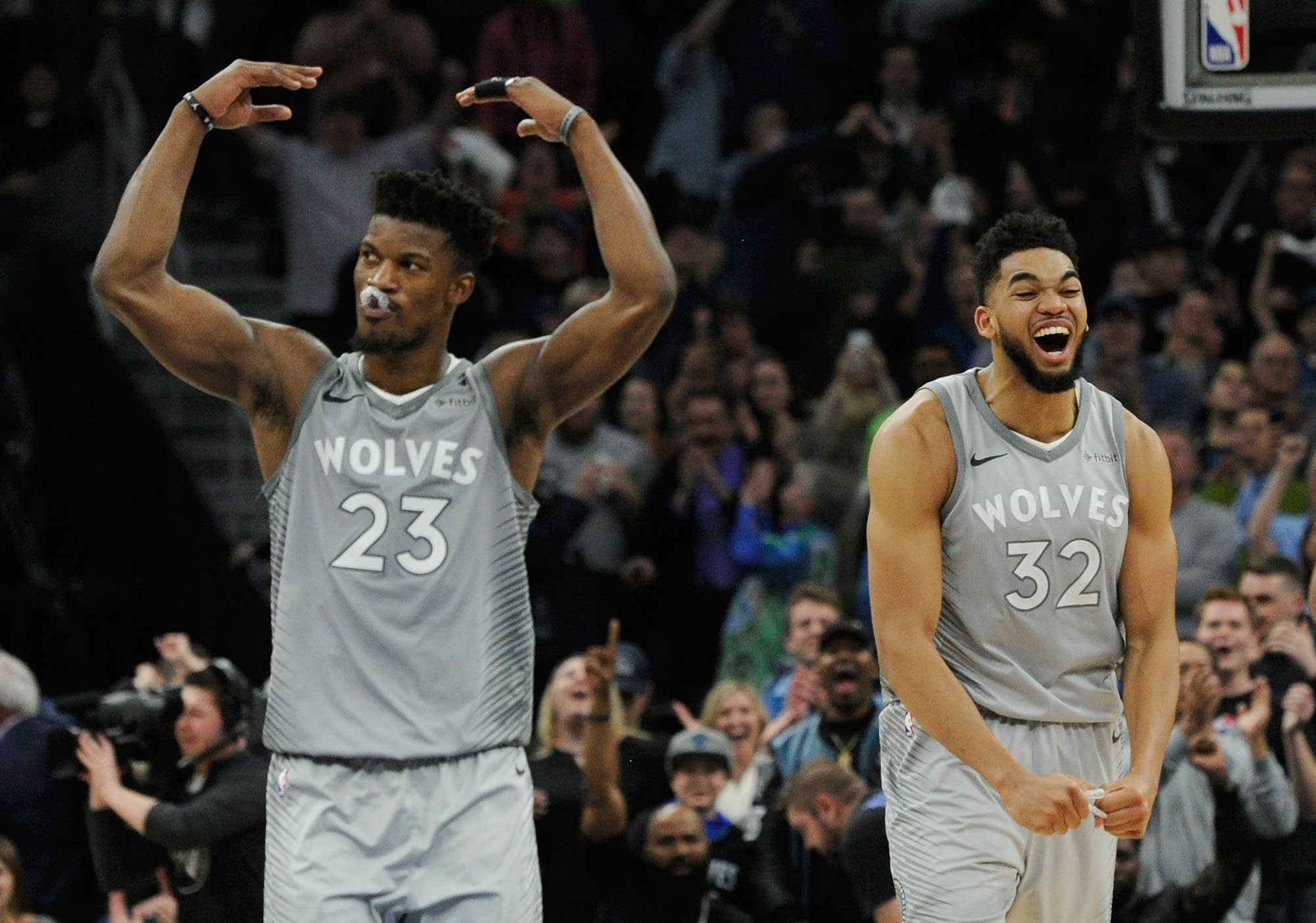 Timberwolves beat Nuggets to end long playoff drought