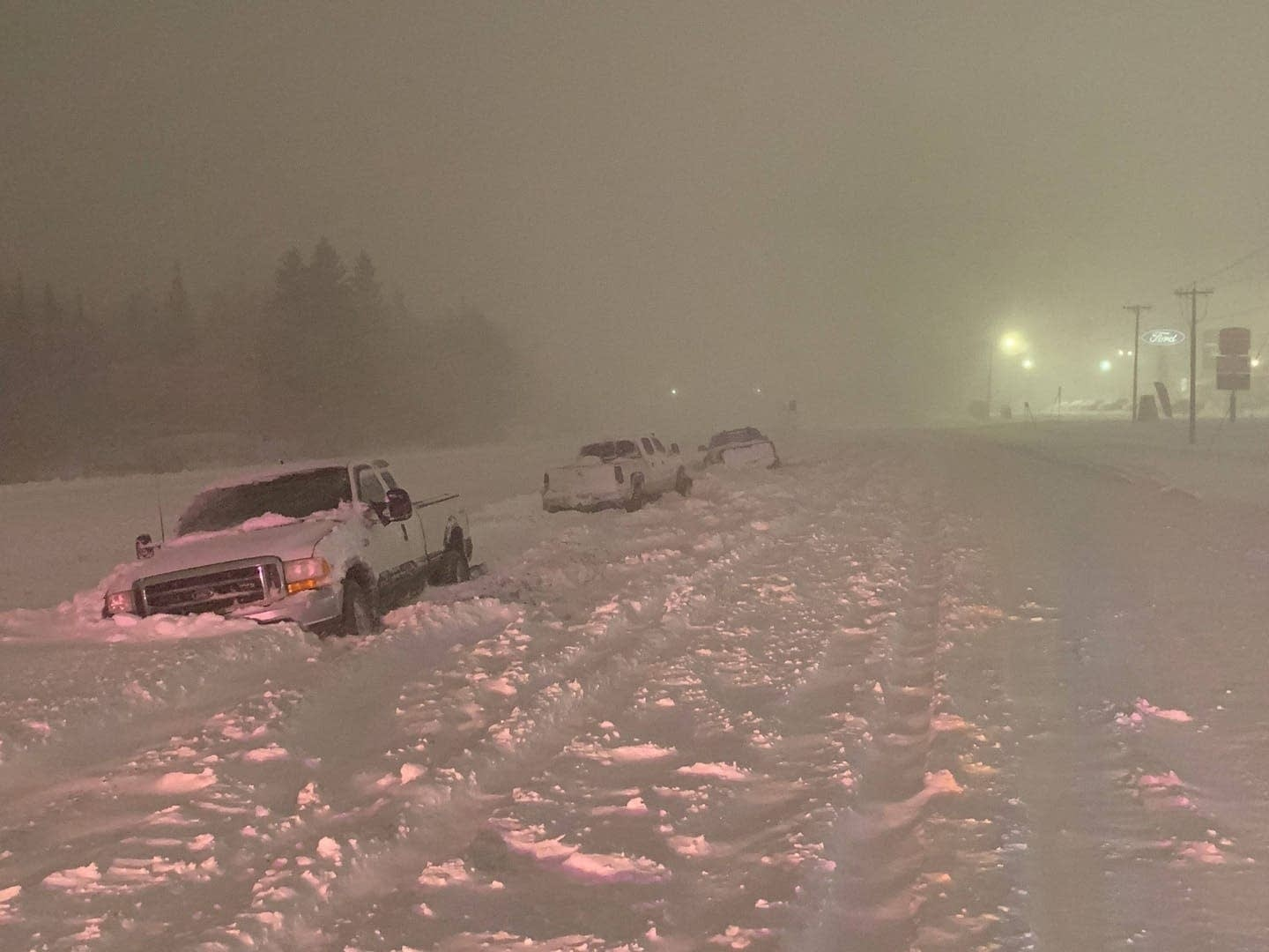 Blizzard Closes Highways Drops Nearly 20 Inches Of Snow On Duluth