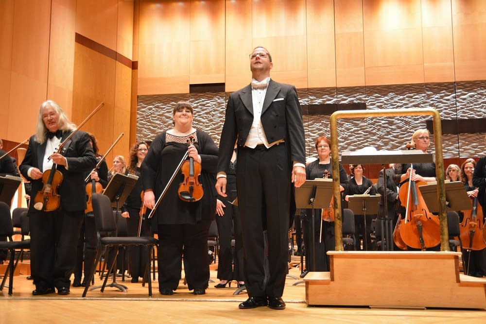 duluth superior symphony orchestra applause long