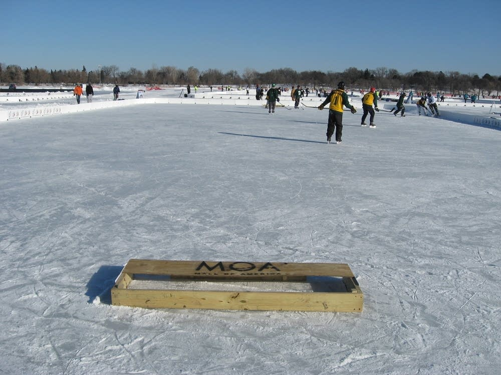 U.S. pond hockey players