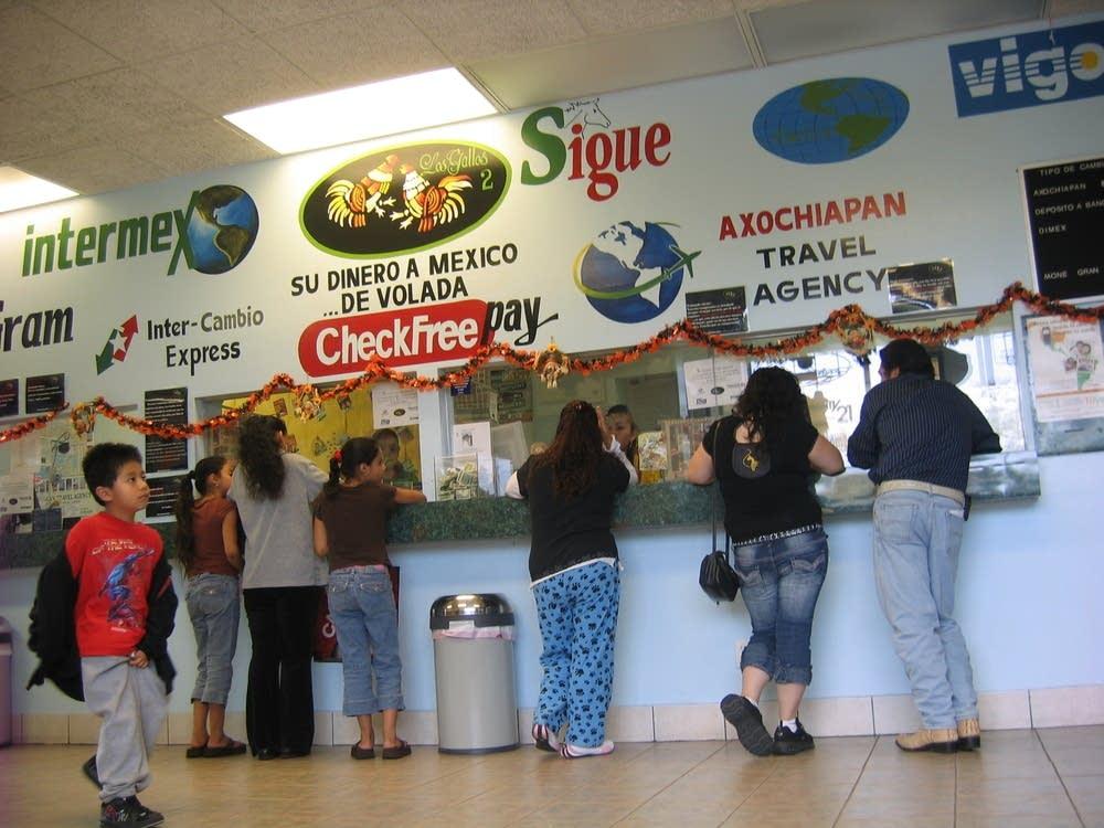Los Gallos customers