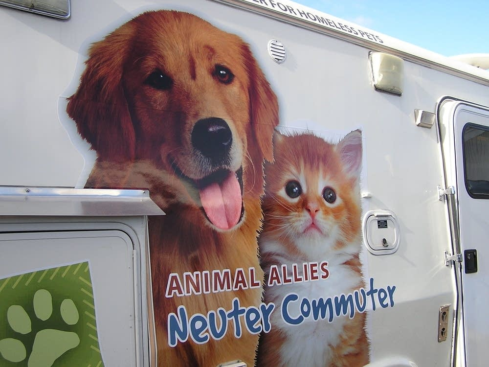 Neuter Commuter van