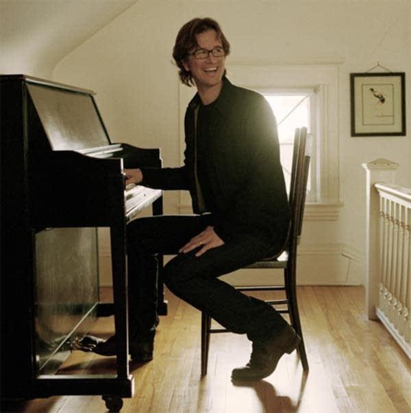 Singer / Songwriter Dan Wilson