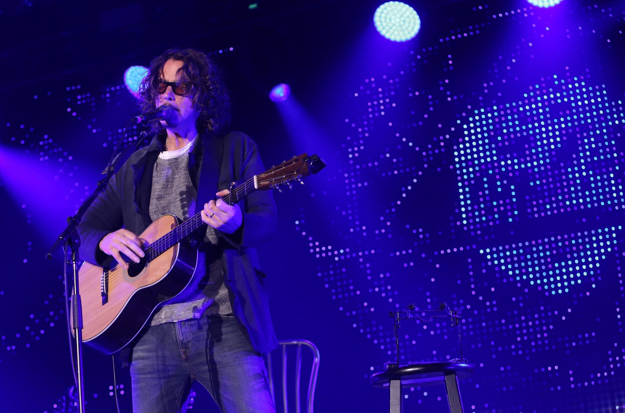 'Seattle's son' Chris Cornell mourned in city