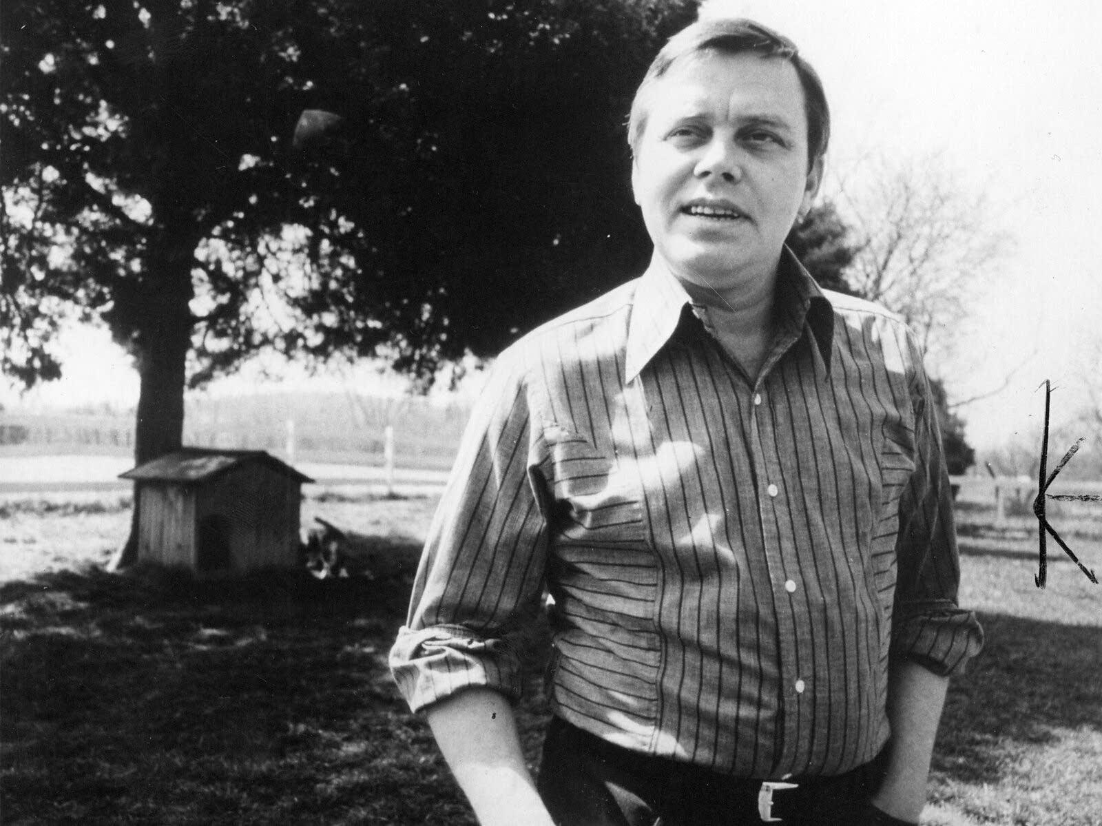 Photo of Tom T. Hall