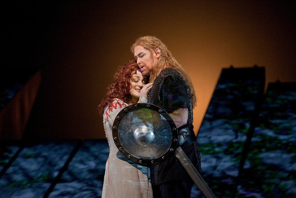 Voigt as Brunnhilde and Morris as Siegfried