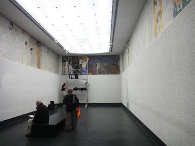 D68ebd 20140327 beethoven frieze on display