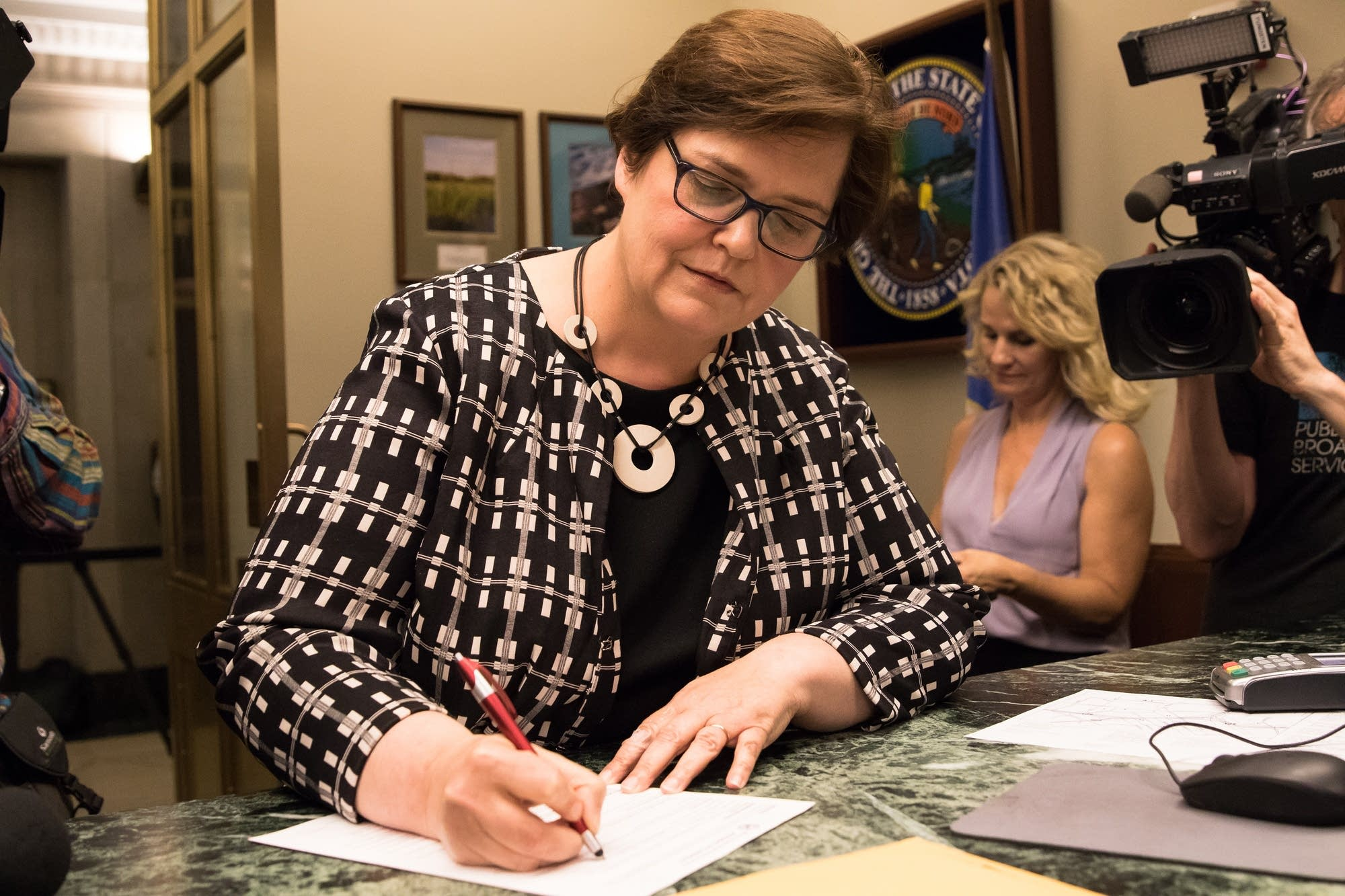 Margaret Anderson Kelliher files to run for congress.