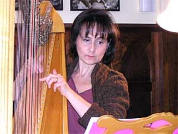 Harpist Judy Kogan