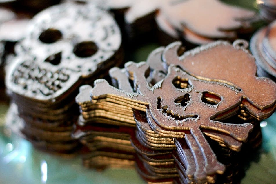 Metal skulls for sale