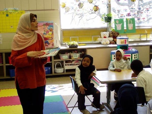 Kindergarten students study Arabic