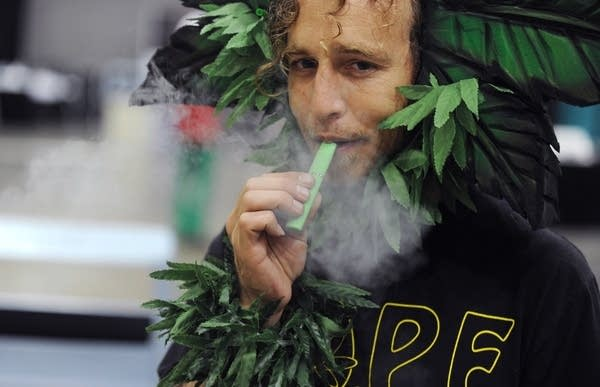 As e-cigarette popularity leaps, worries of illegal drug use follow