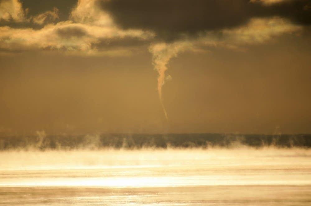 Steam devils and Arctic sea smoke