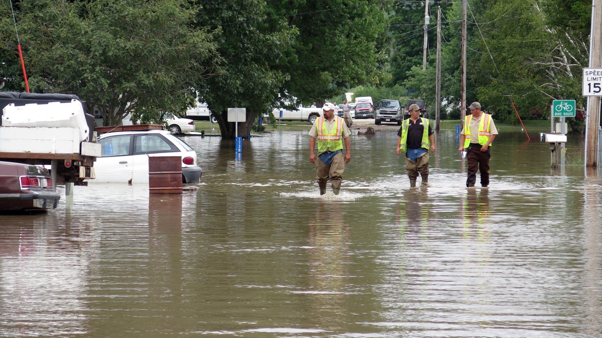 Northeast Iowa reeling from 'life-threatening' flooding ...