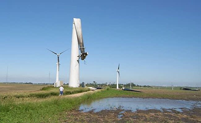 Storm damages wind turbines