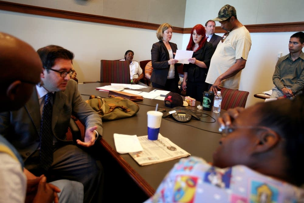 Public defenders work with veterans