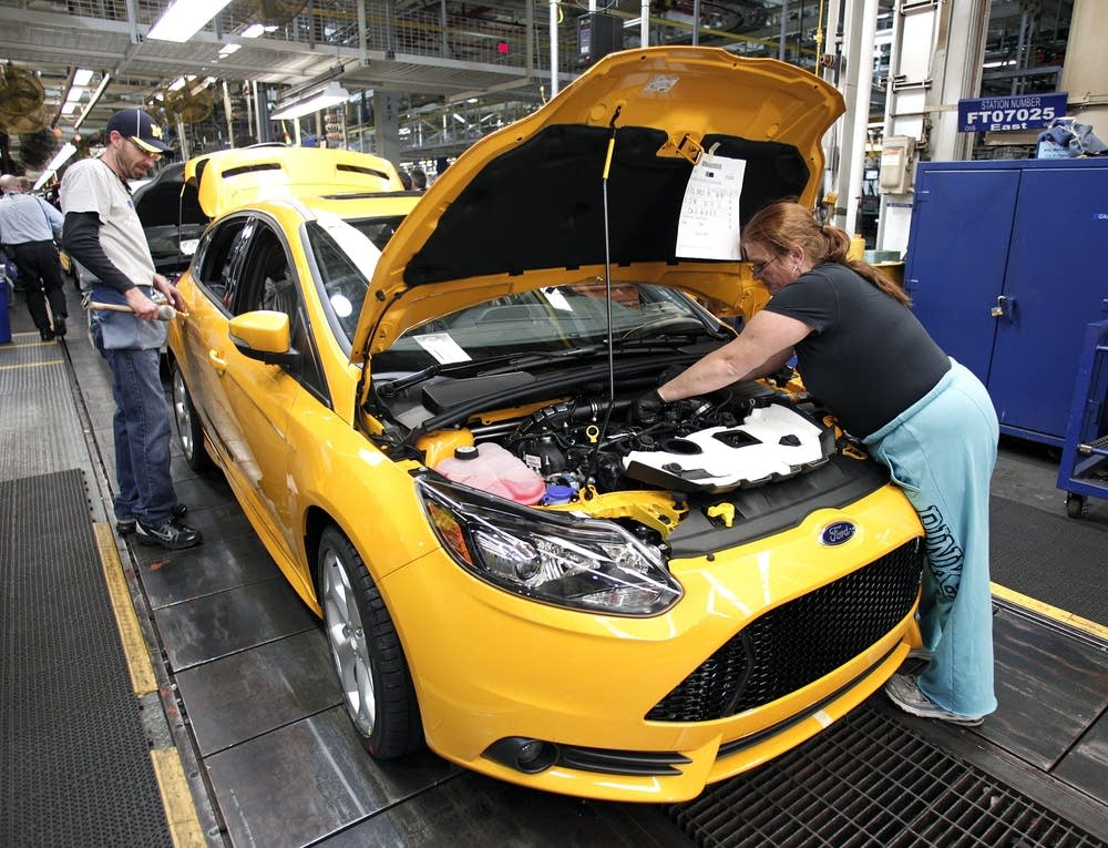 Ford Launches Fifth Plug-In Hybrid Car At Michigan