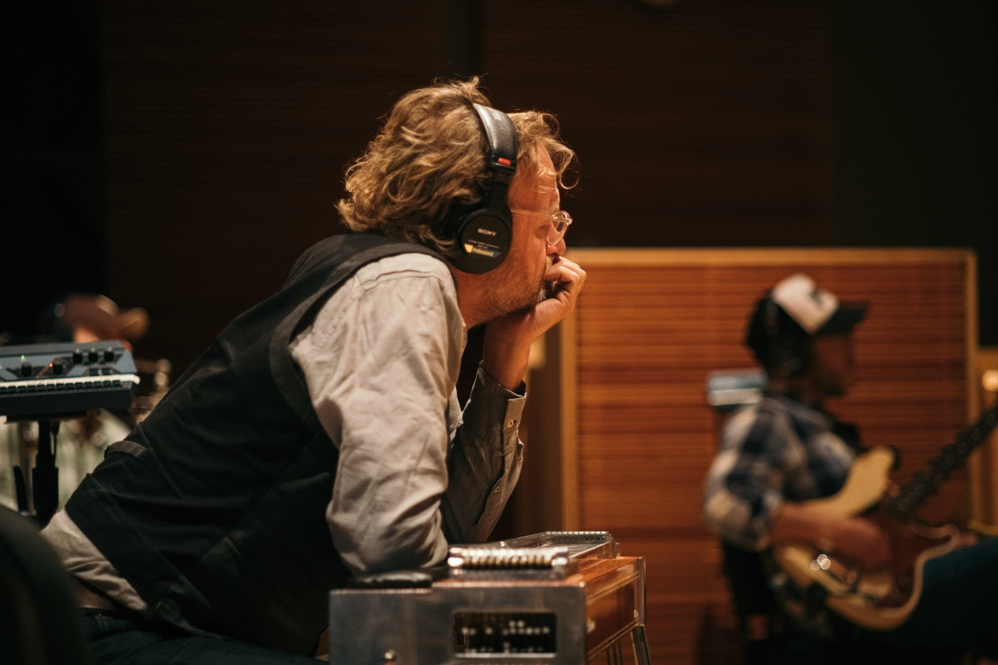 Jeffrey Foucault performs at Radio Heartland