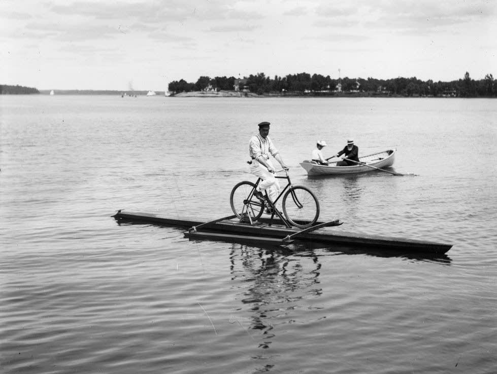 Lake Minnetonka biking
