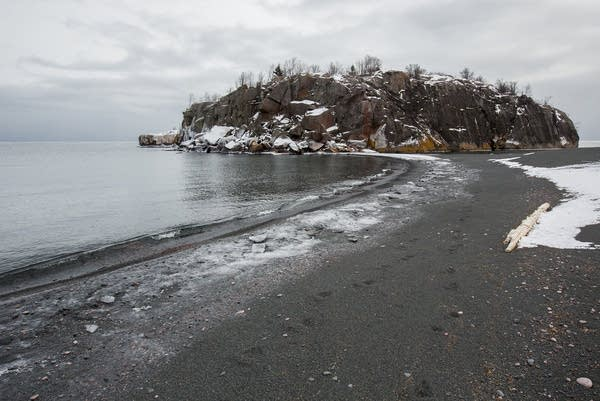 Black Beach in Silver Bay