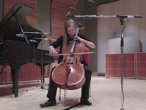 Cellist Caroline Paulsen