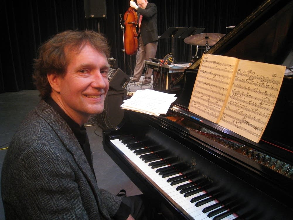 Jazz pianist Larry McDonough