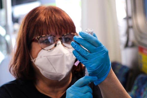 COVID-19-vaccines-clinics