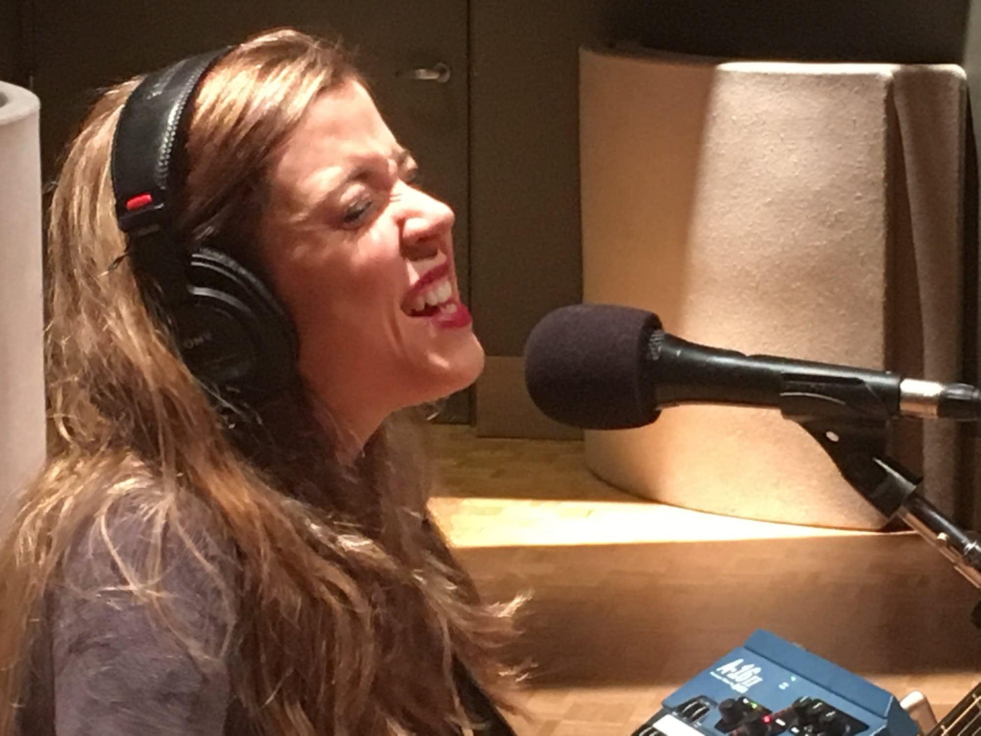 Sarah Morris performs on Radio Heartland