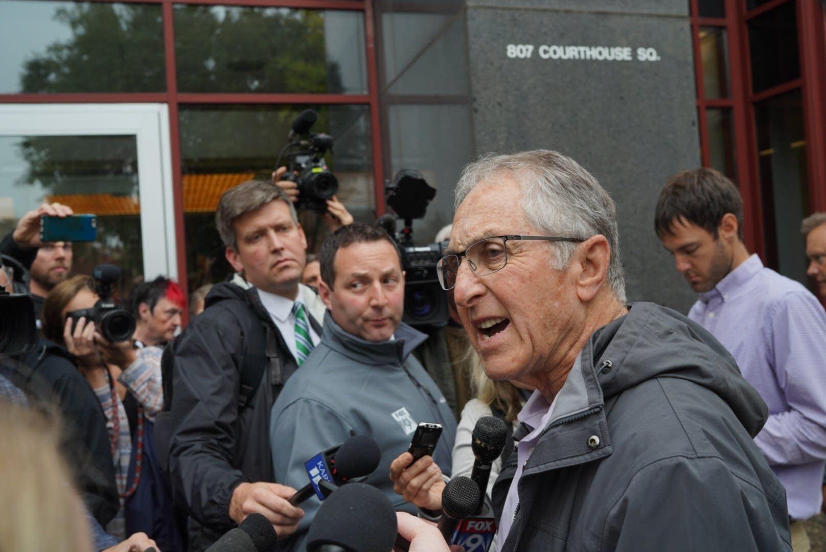 Former FBI agent Al Garber rebuffed criticism of investigation