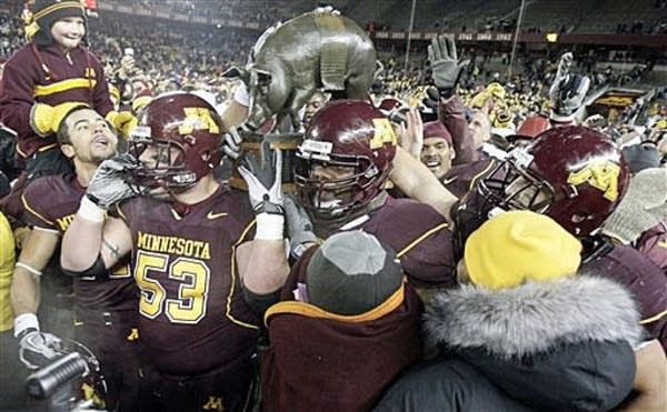 Gophers win back Floyd