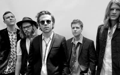 657d38 20160126 cage the elephant